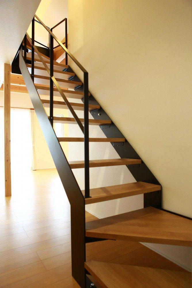 スケルトンな階段
